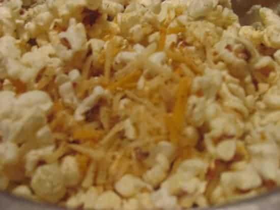 Nacho popcorn snack