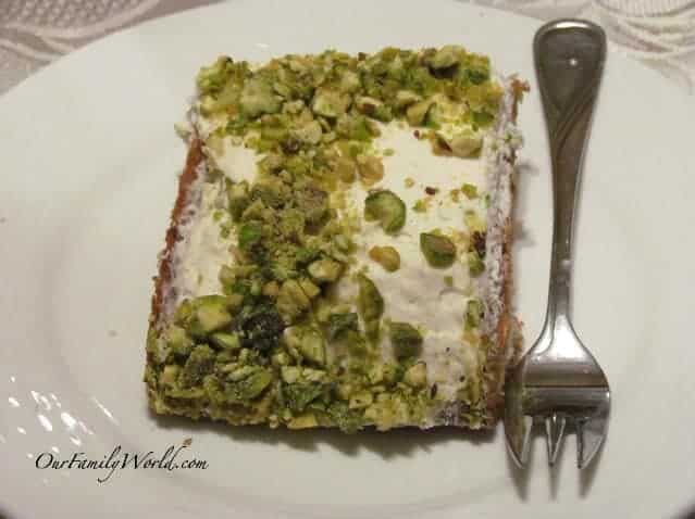 pistachio-cake-recipe-ready-in-30-minutes
