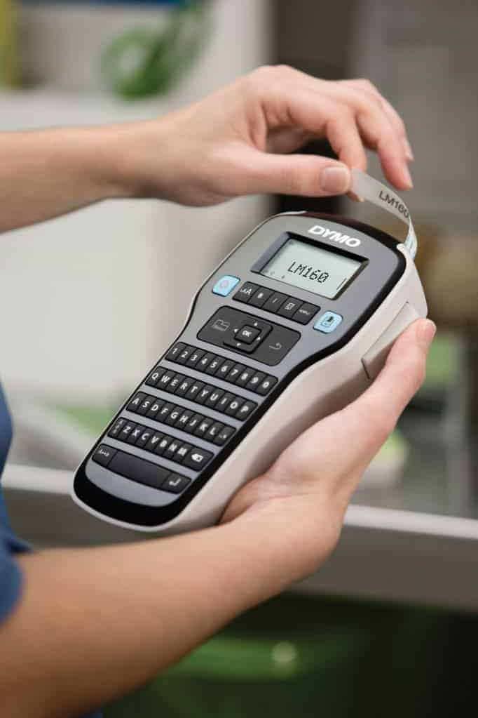 dymo-labelmanager-160-handheld-label-maker-helps-mom-get-organized