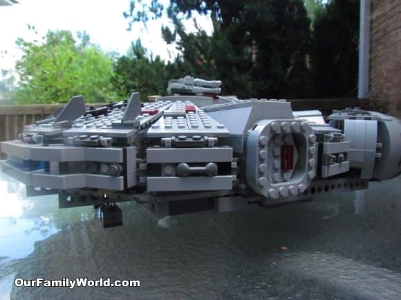 lego-star-wars-millennium-falcon-7965