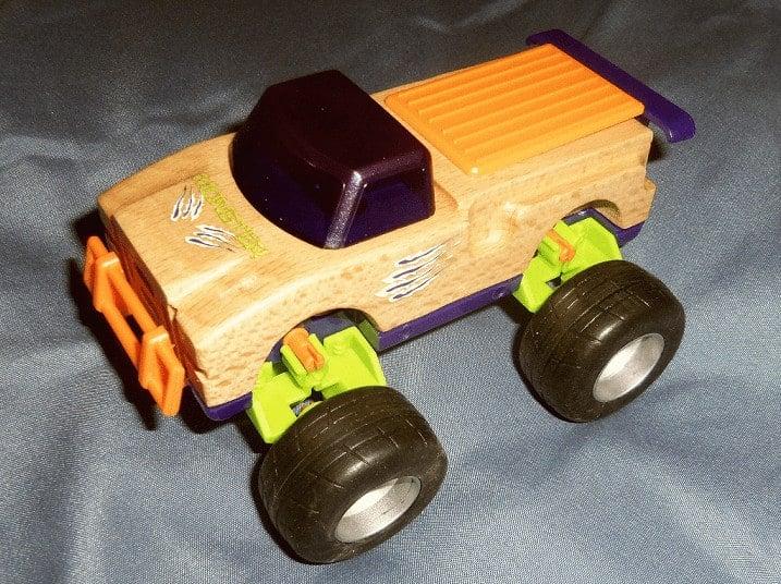 review-manhattan-toy-motorworks-line