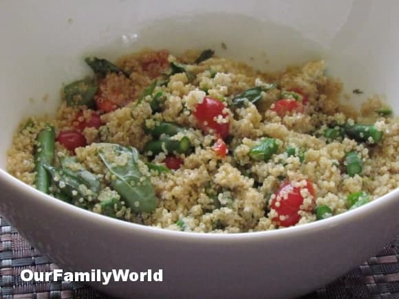 easy-healthy-recipe-quinoa-salad-asparagus-goat-cheese