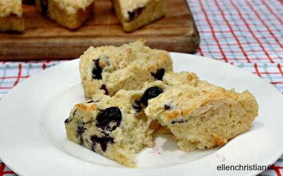 Low Calorie Dessert: Blueberry Scone