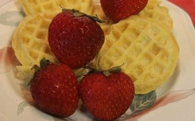 Frozen foods: Waffles with fresh fruit