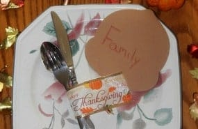 Looking for Simple & Budget friendly Thanksgiving decorations? Take a look at my Thanksgiving Table Decor ideas