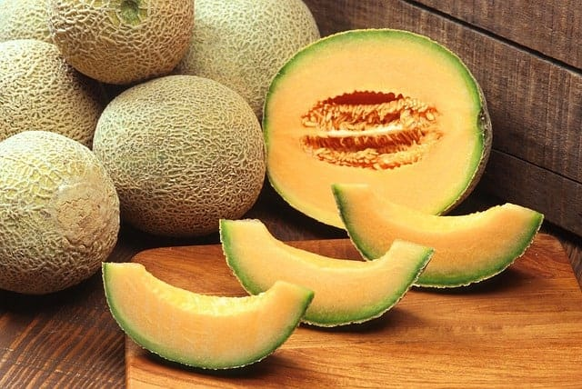 Wondering how to pick the perfect cantaloupe? Check out our tips for getting the sweetest and juiciest fruit possible for all those yummy fruit salads!
