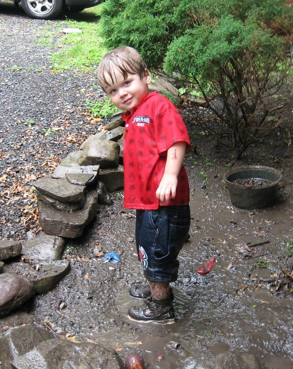 let-your-child-be-wild-bring-back-the-magic-of-outdoor-play