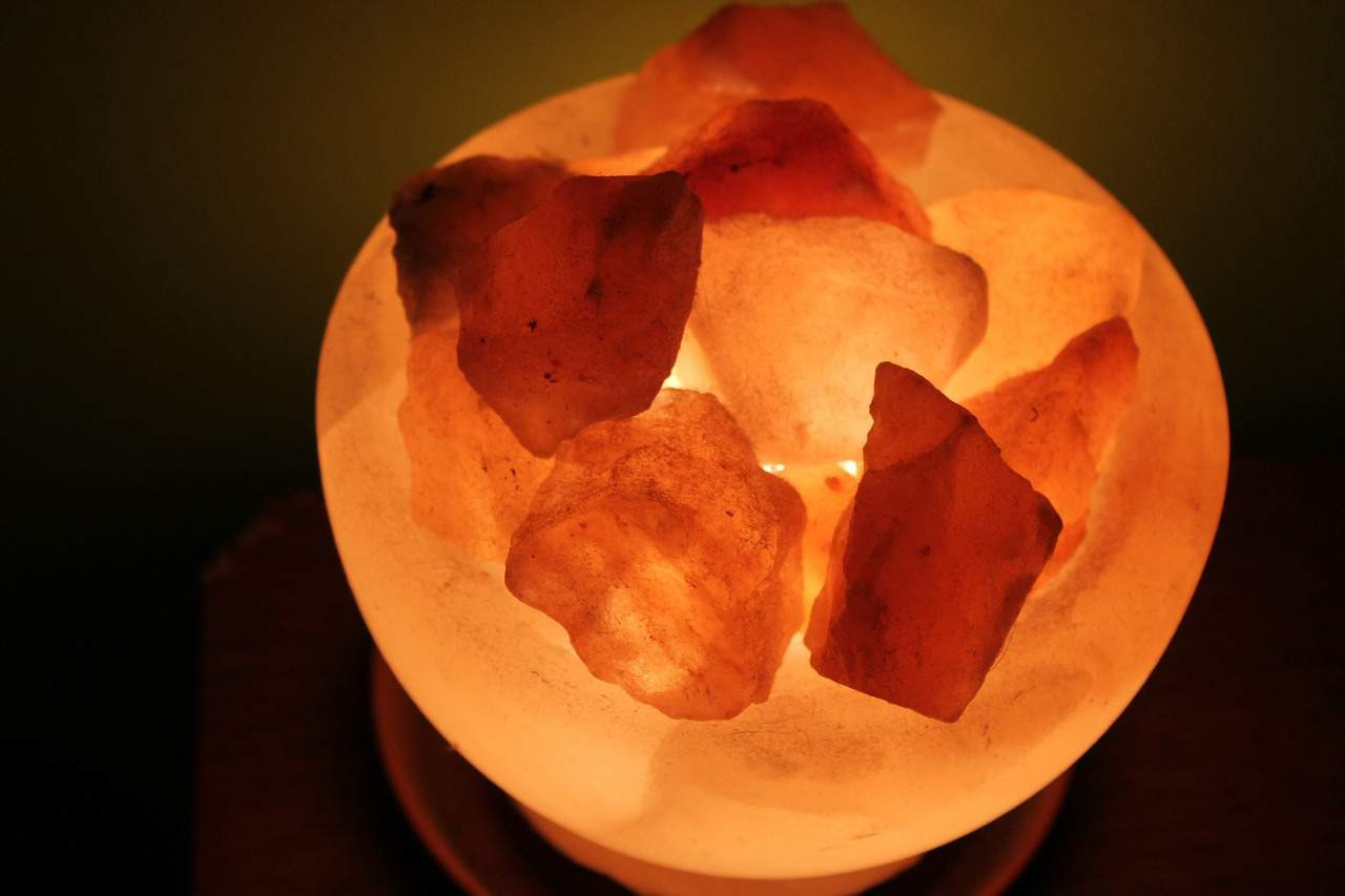 Do Salt Lamps Help With Depression : How to Detox Your House Using Salt Crystal Lamps