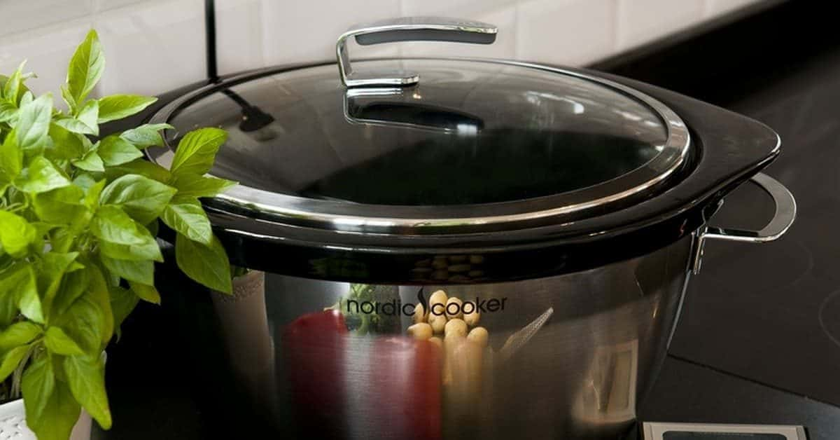 A slow cooker can become your best friend in the kitchen, especially if you are constantly on the go. Check out what you need to know before buying one!