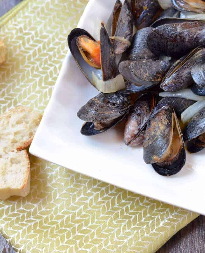 Looking for a unique back to school recipe for seafood loving kids? Try our steamed mussels with tomato Blue Dragon Curry paste! So tasty & full of flavor!