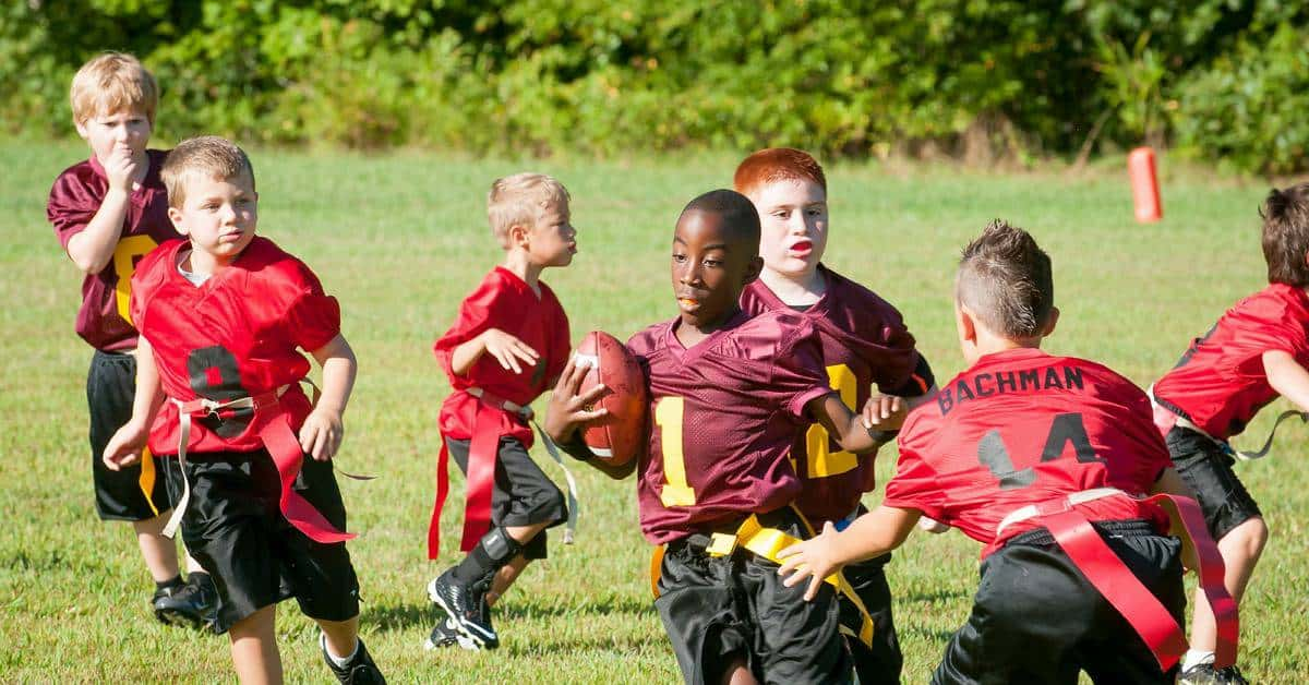 4 Best Outdoor Fall Sports for Kids to Play