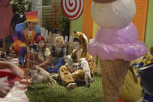 TY BURRELL, NOLAN GOULD: modern family recap season 7 episode 5 halloween