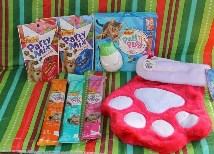 Friskies Pull 'n Play Combo Pack Stocking Stuffer Gift for Cats