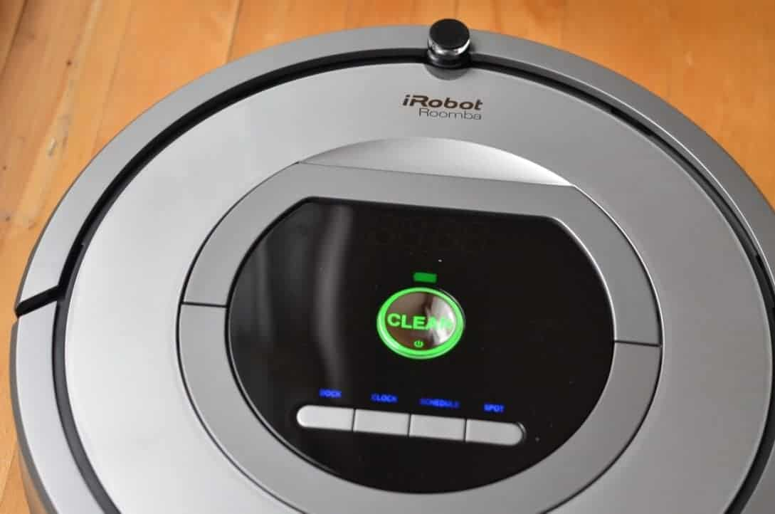 Save Time with the iRobot Roomba 761 Vacuum Cleaning Robot