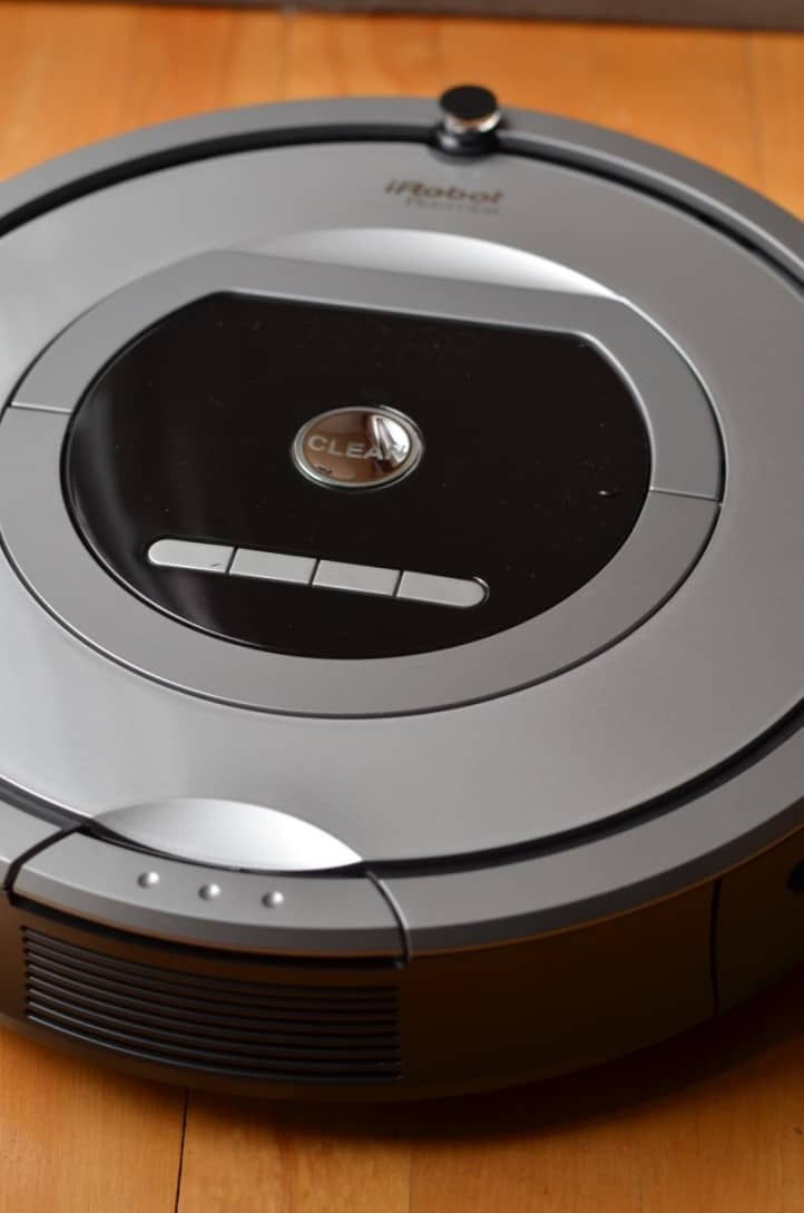 Save Time & Clean Easier with the iRobot Roomba 761 Vacuum Cleaning Robot