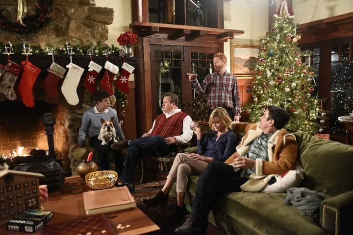 Modern Family Season 7 Episode 9 White Christmas #ModernFamily ...