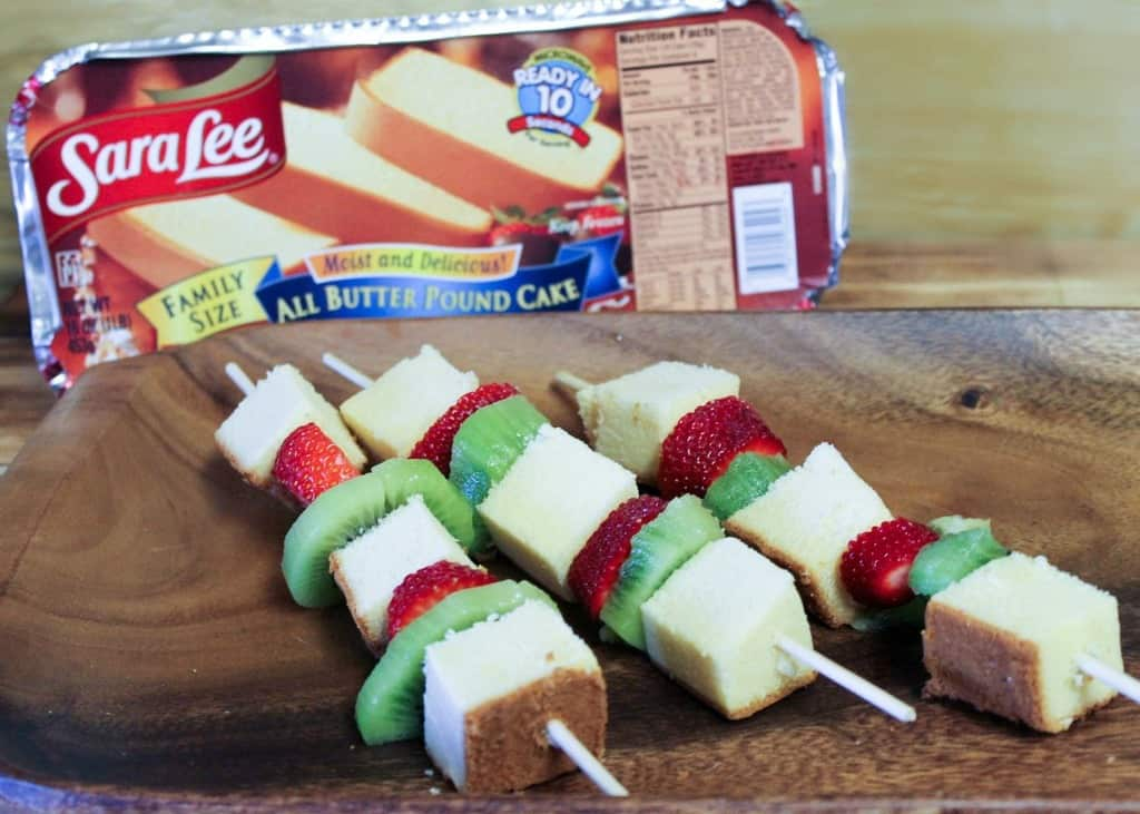 sara-lee-strawberry-kiwi-pound-cake-kebabs
