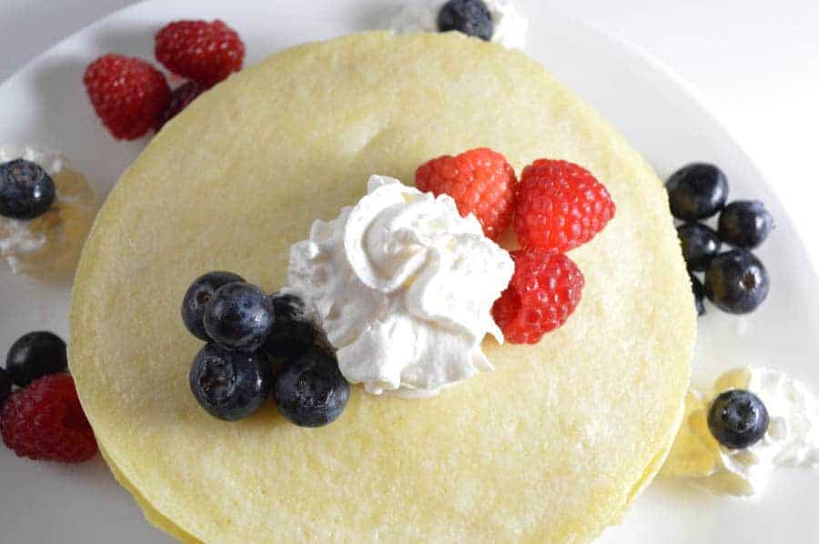 Looking for fun & easy Father's Day food to make with the kids? How about a brunch recipe? This Father's Day crepe recipe is easy, cute & yummy!