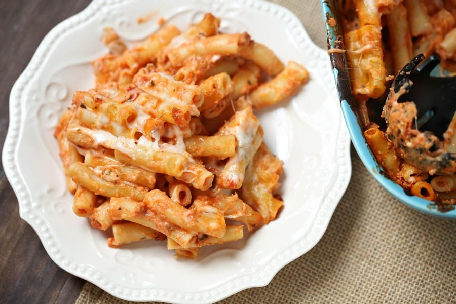 Need an easy vegetarian dinner recipe? Try this baked ziti! Make enough for a small family & have leftovers, or feed a crowd on a budget!
