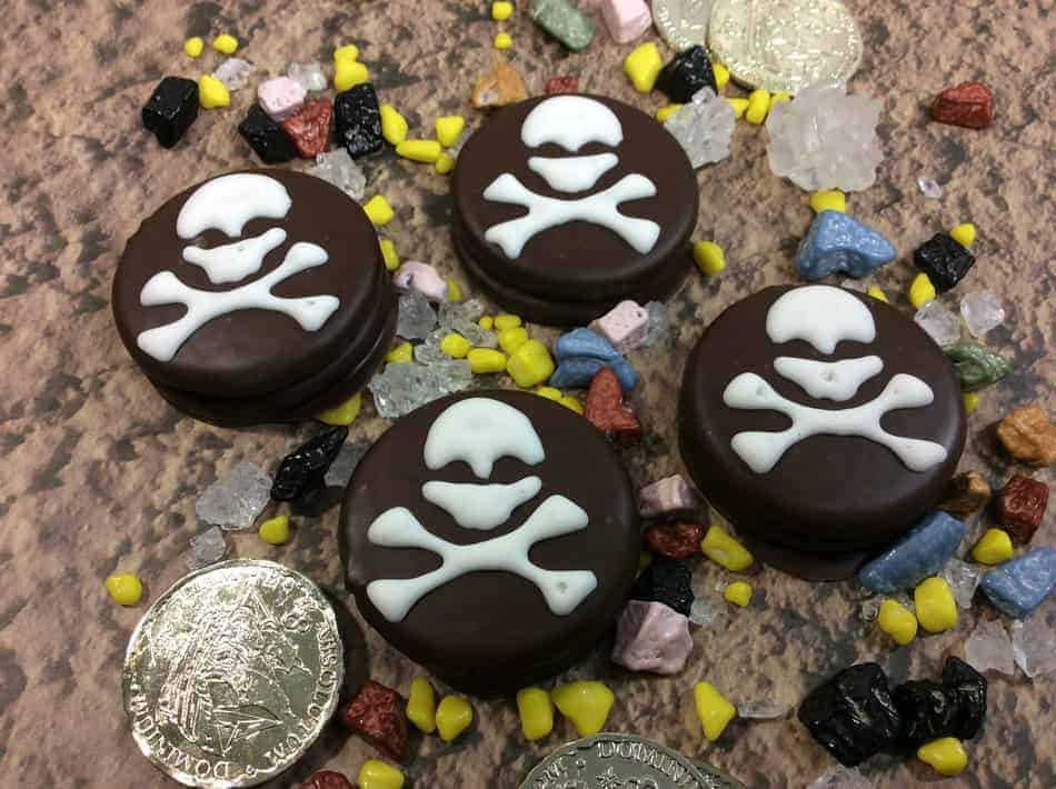 Planning a Pirates of the Caribbean party? With these perfect ideas & one amazing pirate cookie recipe, none of your guests will want to walk the plank! Trust us, that's a good thing! Arrr!