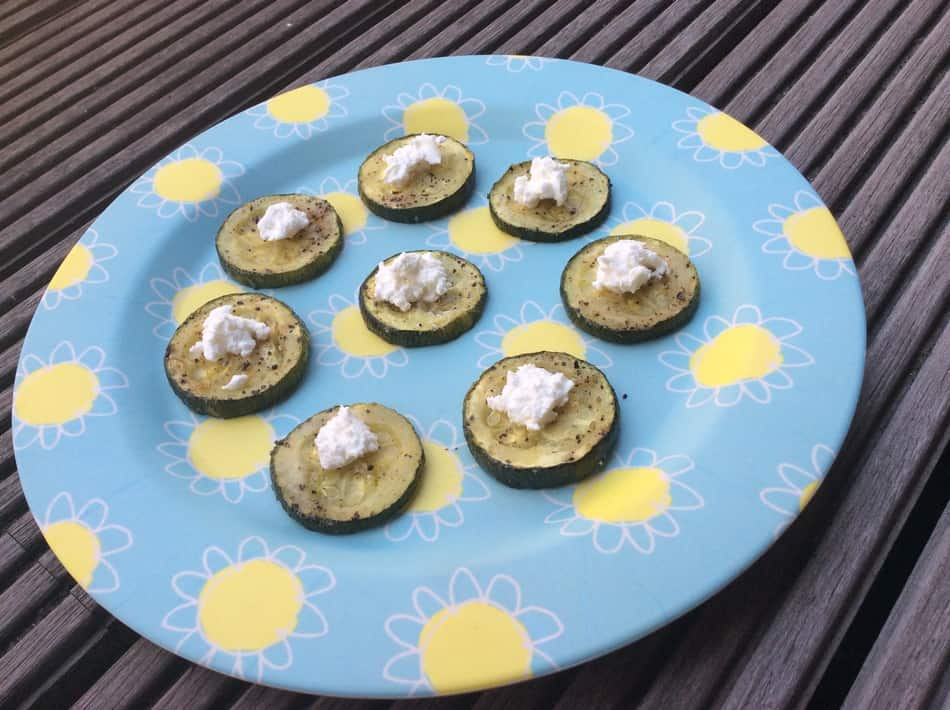 Are you looking for some new fun options to spice up your kids' breakfast routine? Try these delicious Courgette bites!