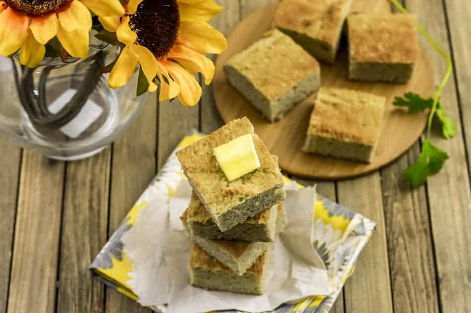 Look no further than this gluten-free paleo cornbread recipe! Make it tonight!